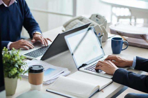 work-laptop-pshsup-paris